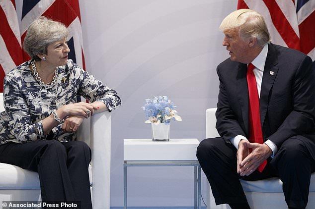 گفت وگوی پرتنش ترامپ و ترزا می