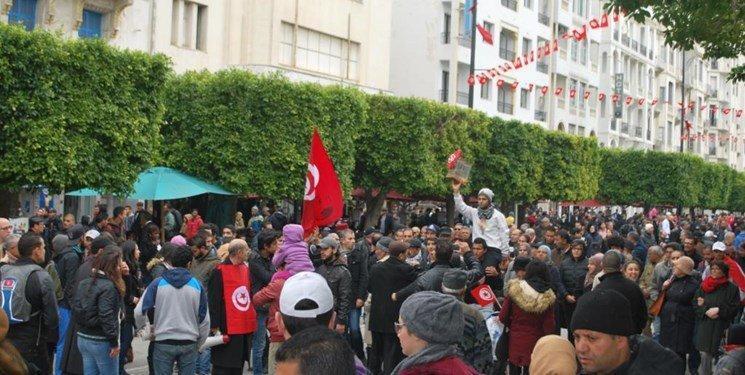 تونس دوباره شلوغ شد، این بار مسائل اقتصادی مردم را به خیابان آورد