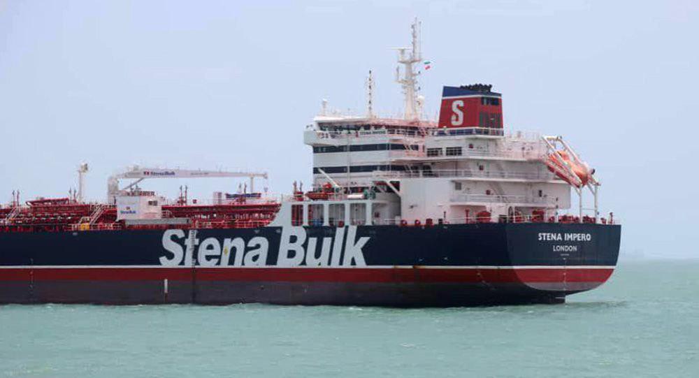 دیپلمات های روسیه با خدمه روس نفتکش انگلیسی دیدار کردند