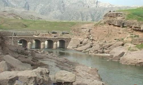 مرمت پل تاریخی آفرینه لرستان شروع شد