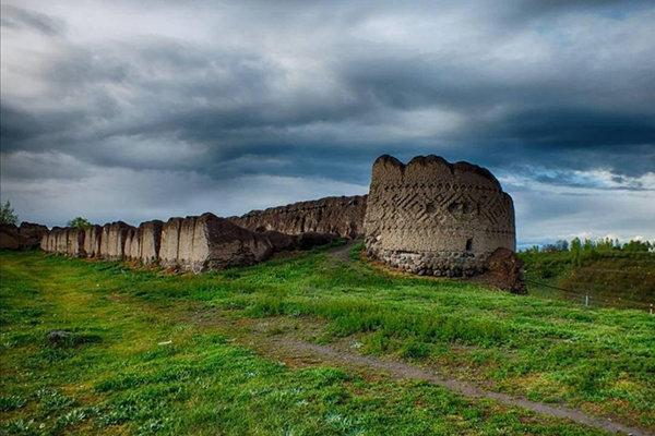 مطالعه طرح راه اندازی پارک تاریخی در محوطه کهنه قلعه مشکین شهر