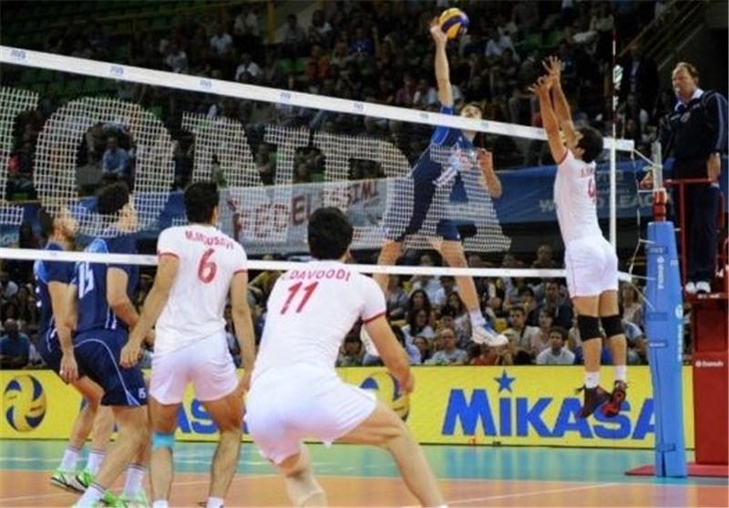 تیم والیبال ایران در تهران بازی می کرد!، داودی، محمودی و موسوی بهترین های ایران بودند