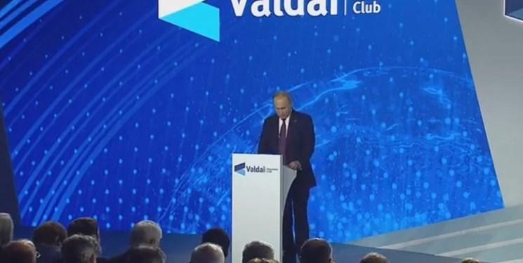 پوتین: روسیه می تواند شرایط همکاری میان ایران و عربستان را فراهم کند