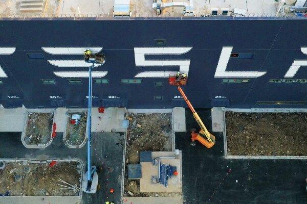 نخستین خودروهای تسلا ساخت چین عرضه می شوند