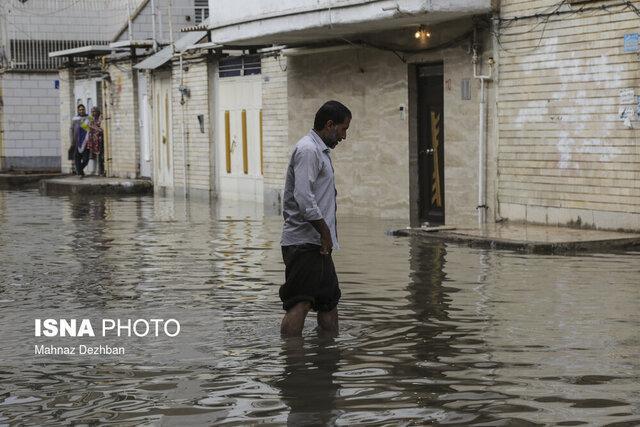 ادامه آبگرفتگی در نقاط مختلف کارون ، ورود آب به محوطه بیمارستان سینا