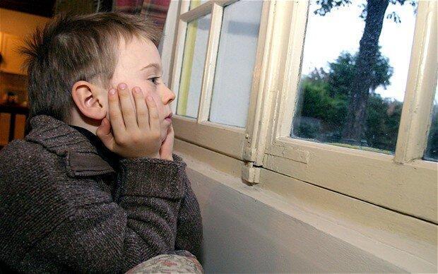 نکته بهداشتی ، تنها گذاشتن کودک در خانه
