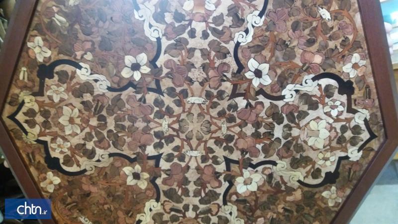 ساخت میز معرق هشت گوش با طرح گل و برگ قاجاری در گروه پژوهشی هنرهای سنتی