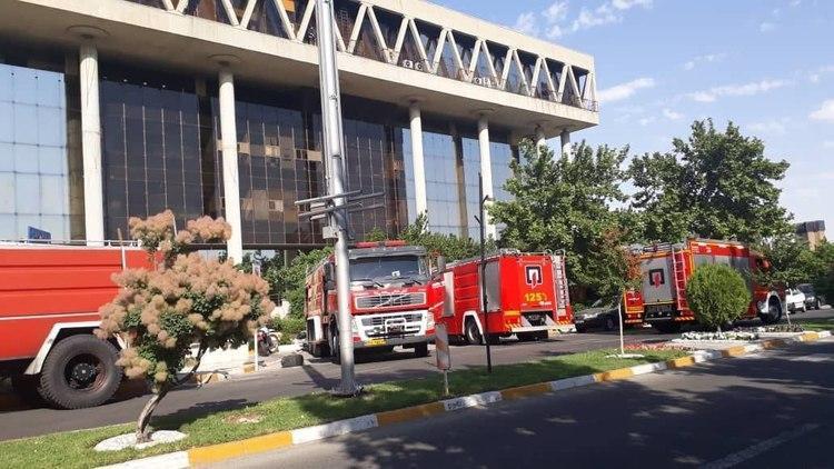 آتش سوزی در ساختمان شیشه ای صداوسیما