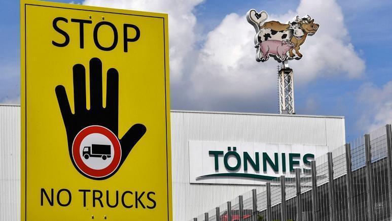 ابتلای 730 کارگر بزرگترین کشتارگاه اروپا به کرونا