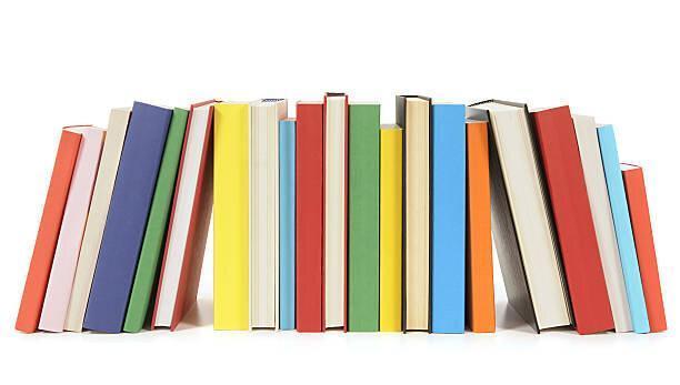نگاهی به کتاب های پرفروش داستانی و غیرداستانی