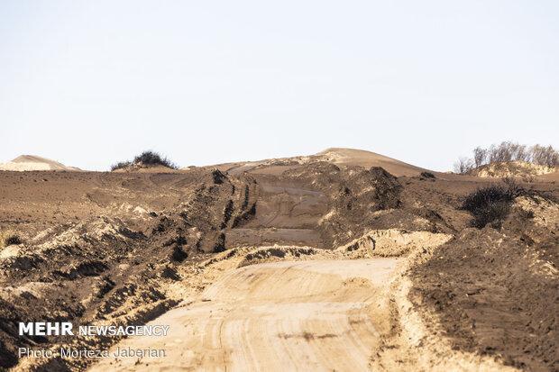 خاک پوش دوستدار محیط زیست به مقابله با ریزگردها می آید