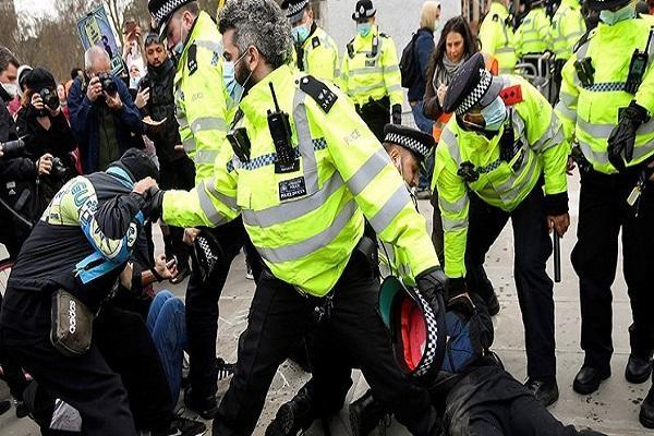 تظاهرات انگلیسی ها علیه لایحه افزایش سرکوبگری پلیس ادامه دارد