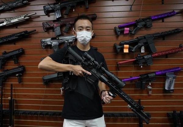 ریشه های شیفتگی به سلاح در جامعه آمریکا