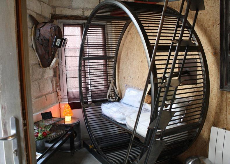 در هتل همستر فرانسه مثل یک همستر زندگی کنید